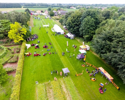 TerraCottem BVBA is co-organizer of the Belgian National Grass Day.