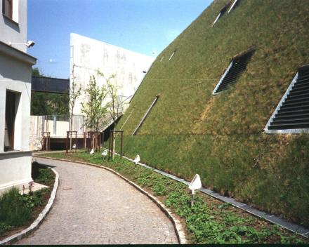 TerraCottem Univerzal v strešnej záhrade, KOC Smíchov, Česká republika.